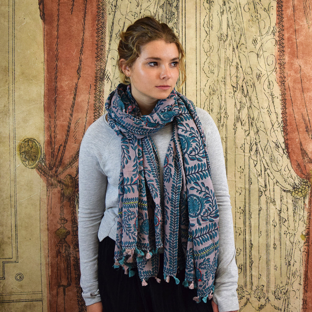 One Hundred Stars Laurel Pattern Scarf. Turquoise.