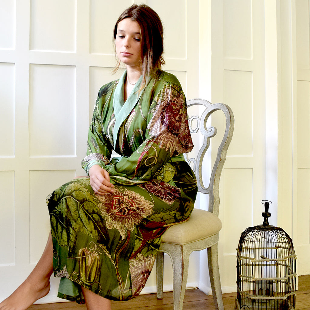 One Hundred Stars KEW Passion Flower Green Dressing Gown.