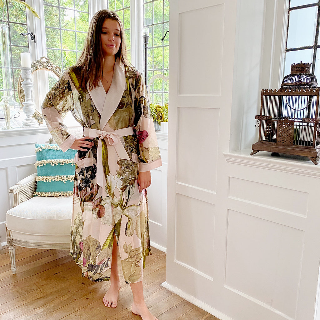 One Hundred Stars KEW Iris Blush Dressing Gown.