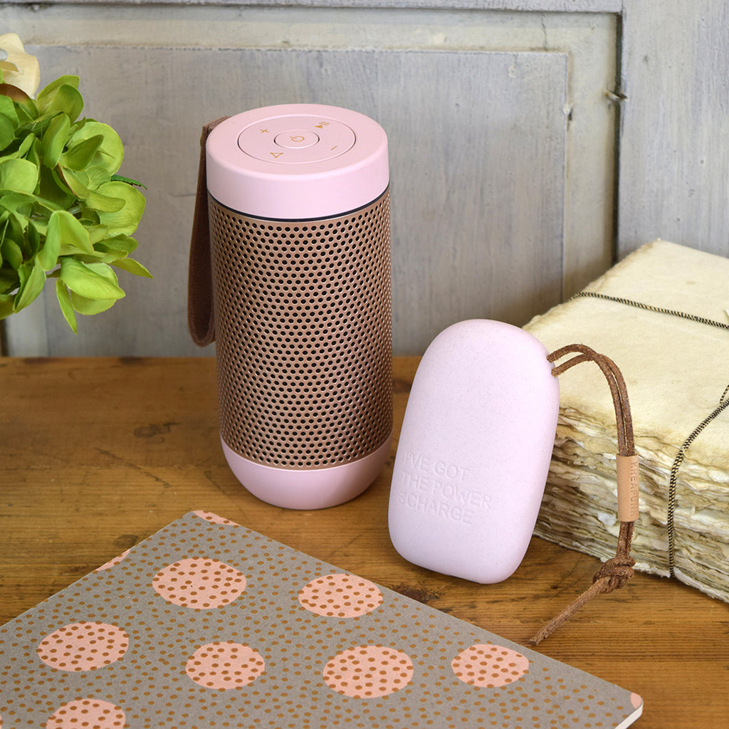 KREAFUNK toCharge Powerbank Charger. Dusty Pink.