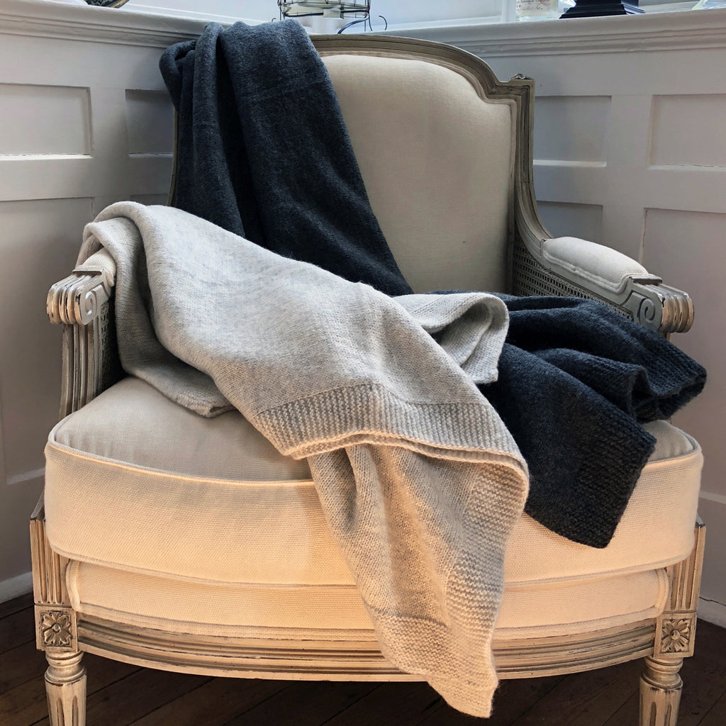 Cream Luxurious Wool Throw.
