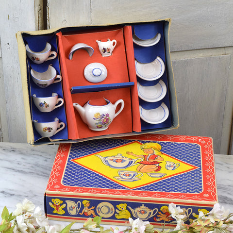 Vintage dolls tea set