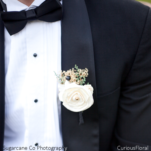 Ivory Sola Flower Rose Boutonniere- Groom Wedding, Buttonhole, Groomsmen, Wedding Flowers