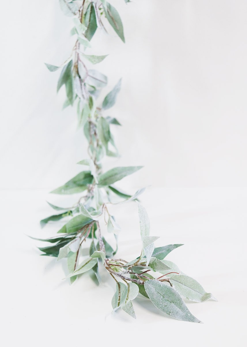 Frosted Seeded Eucalyptus Garland RENTAL ITEM