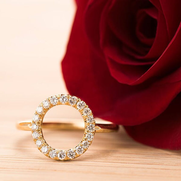Circle-Gold-Diamond-Ring