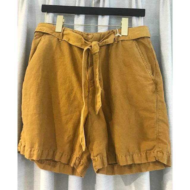 Bermuda Solo Shortsin Khaki or Mustard by Hartford - The Perfect Provenance