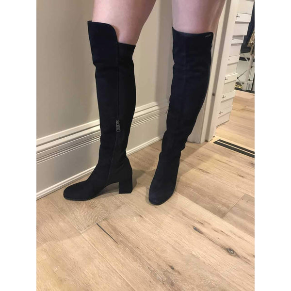 Navy High Knee Boot by Loriblu - The Perfect Provenance