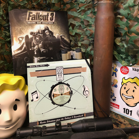 ** PRE-SALE ** FALLOUT® 3 DELUXE BUNDLE [Includes Soundtrack LP, GNR Radio Tracks LP + Bonus Items]