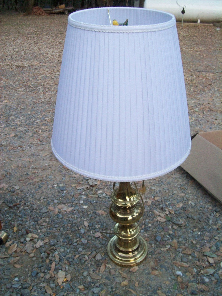 Brass lamp w/shade 14970