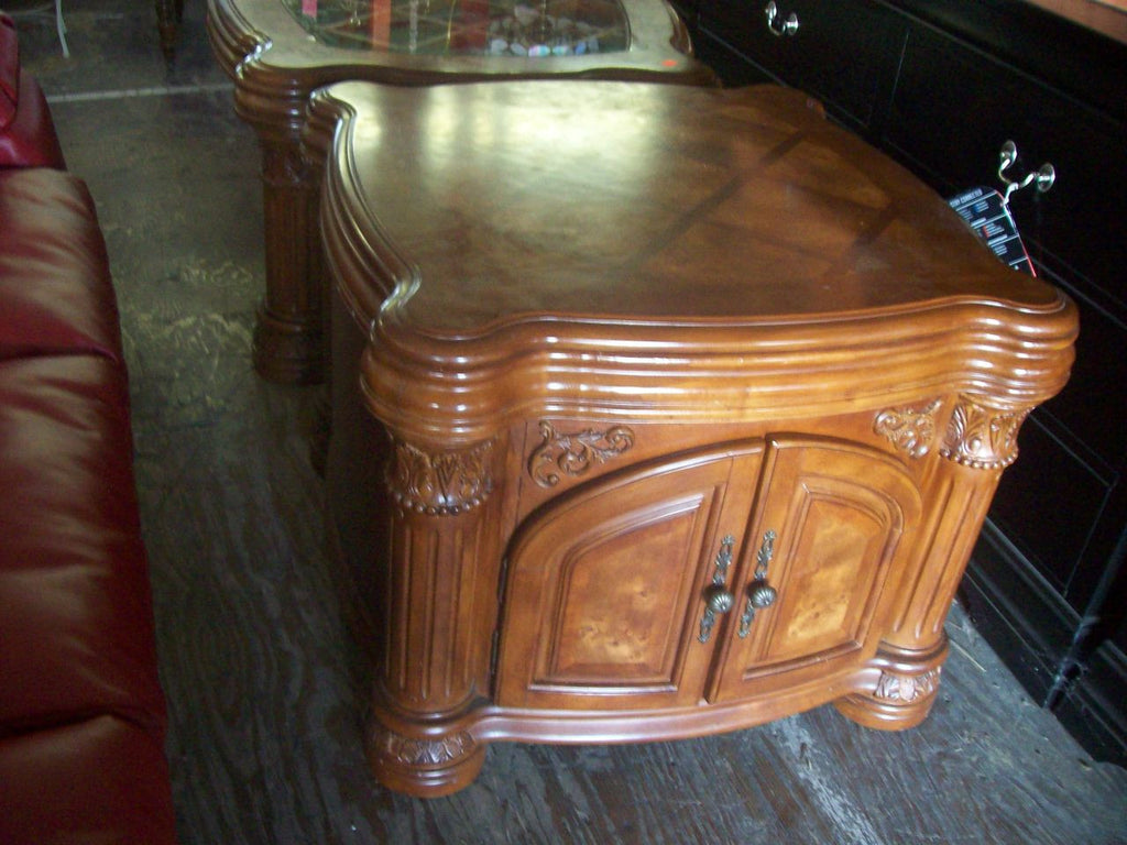 End table 16184