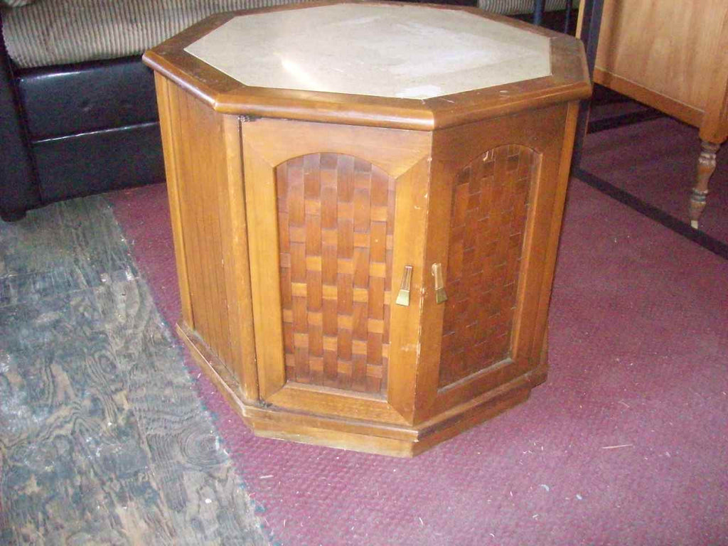 End table 16977