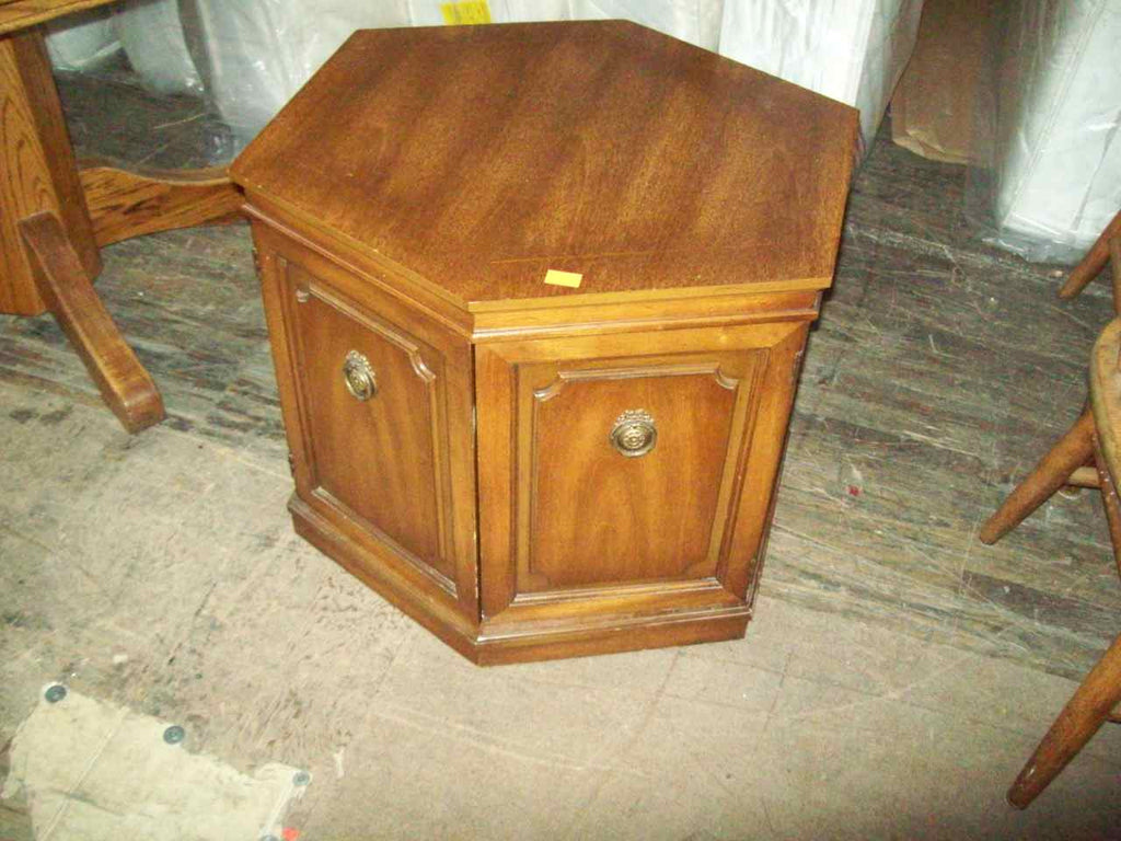 End table 17756