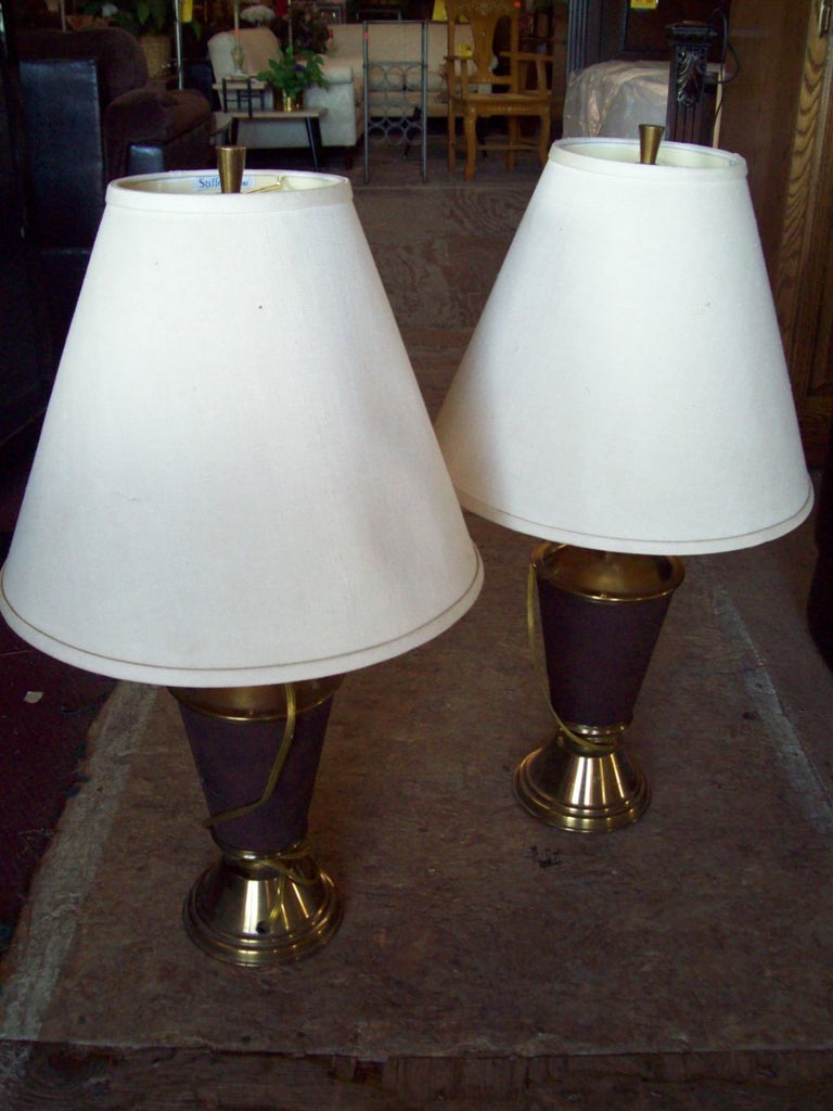 Brass lamps w shade 17769