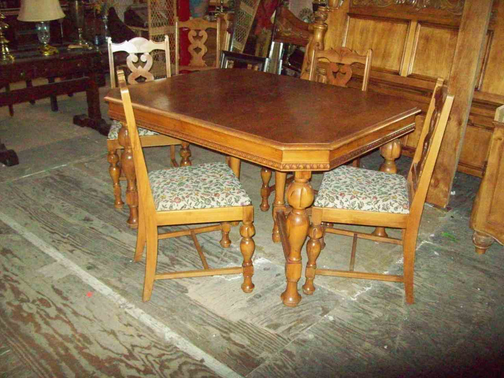 Antique dining table 4 chairs 18542