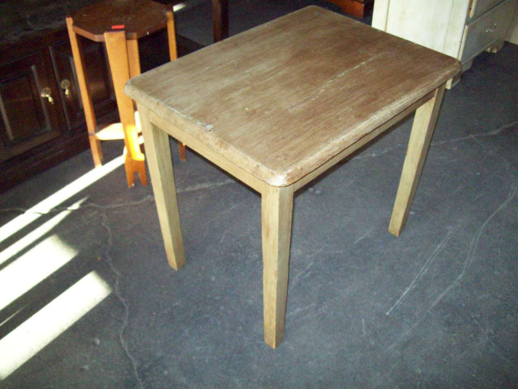 End table 19187