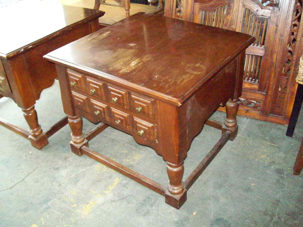 End table 19286