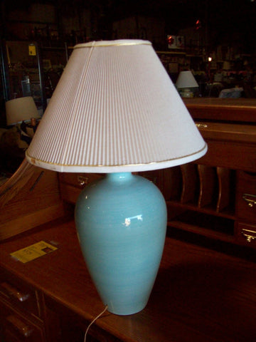Blue lamp w shade 19444