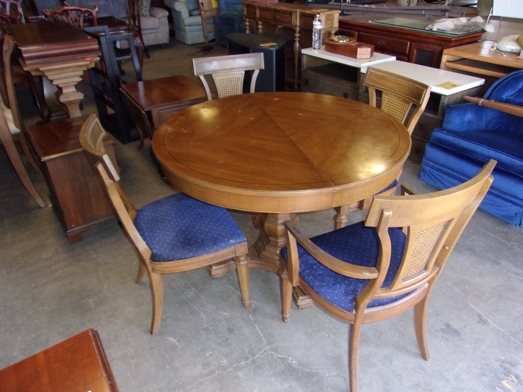 Thomasville dining table 2 leaves 4 chairs 20841