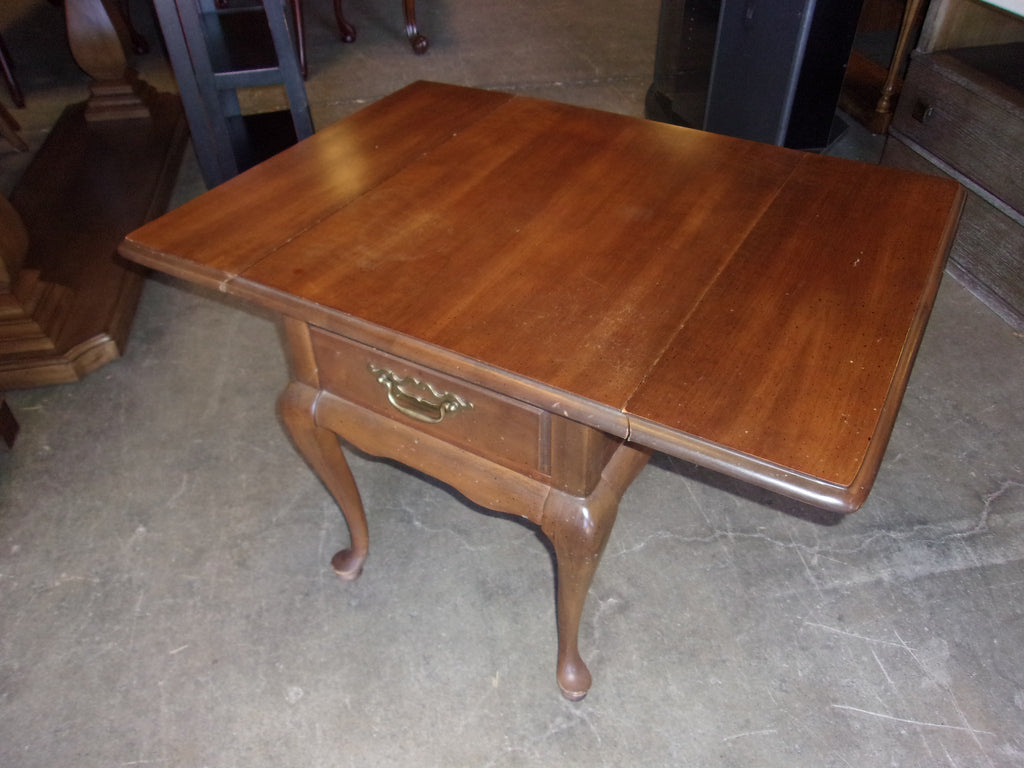 Drop leaf end table 20843