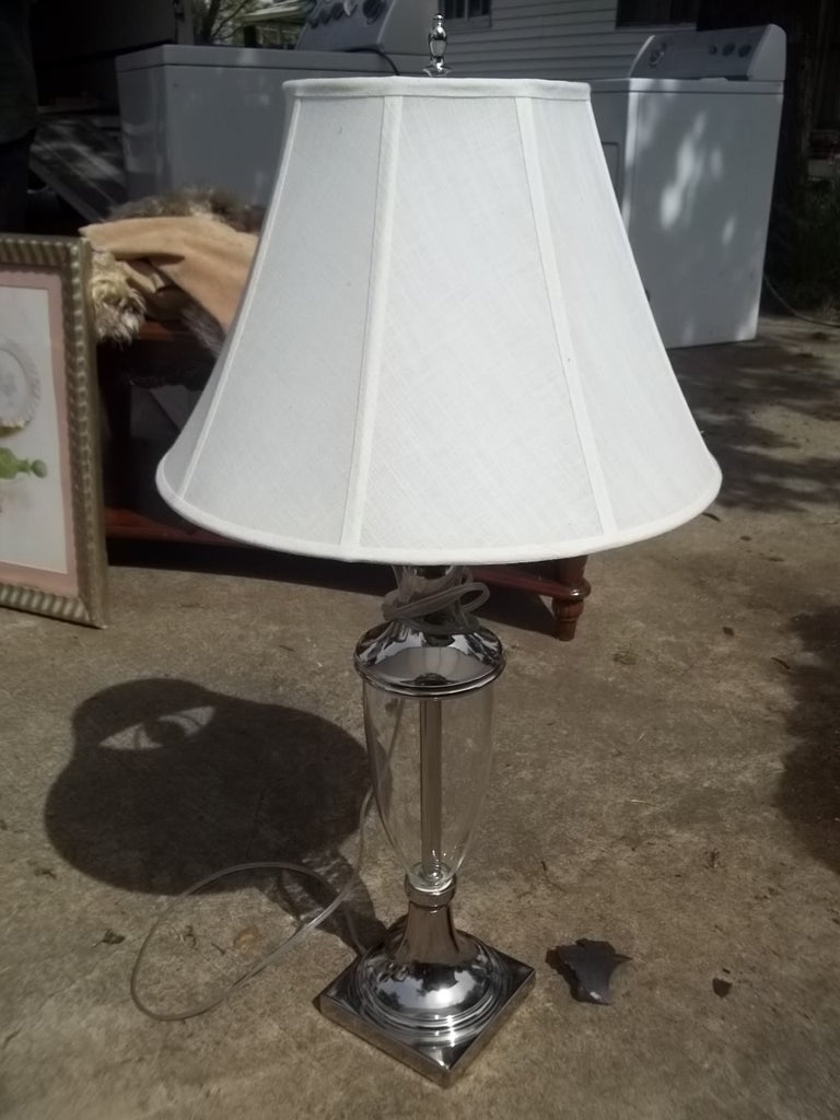 Lamp w shade RB10586