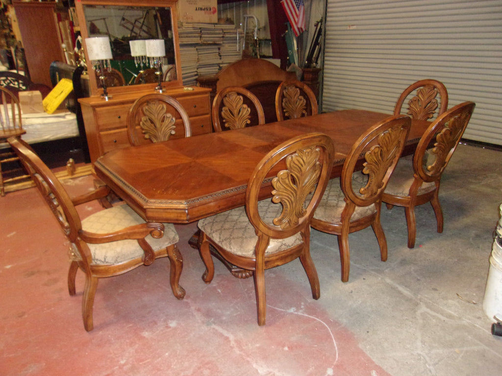 Dining table 2 leaves 8 chairs 20919