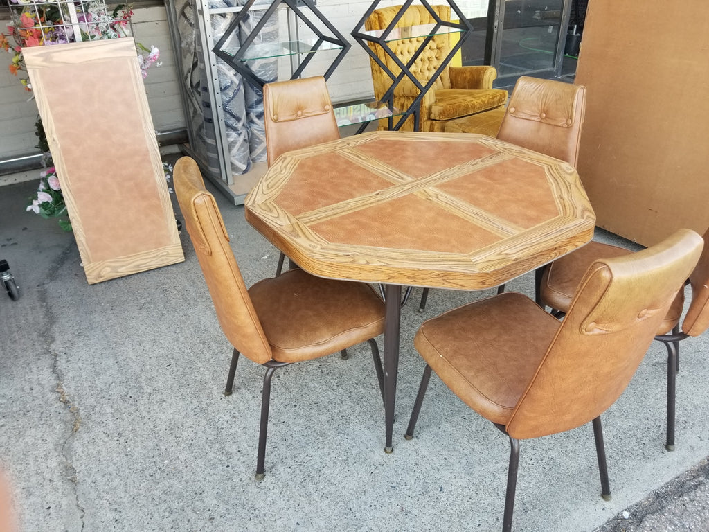 Dining table 5 chairs with leaf RB13426