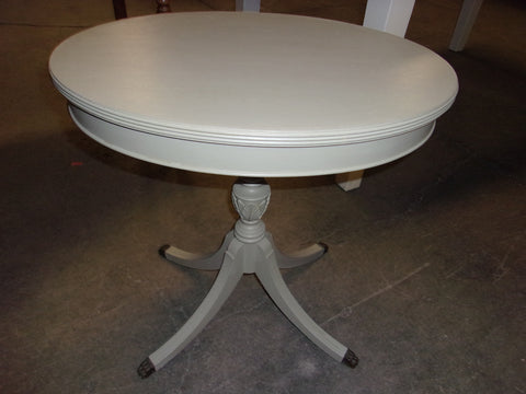 Claw foot accent table 21009