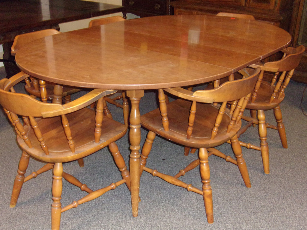 Dining table 2 leaves 6 chairs                    21083
