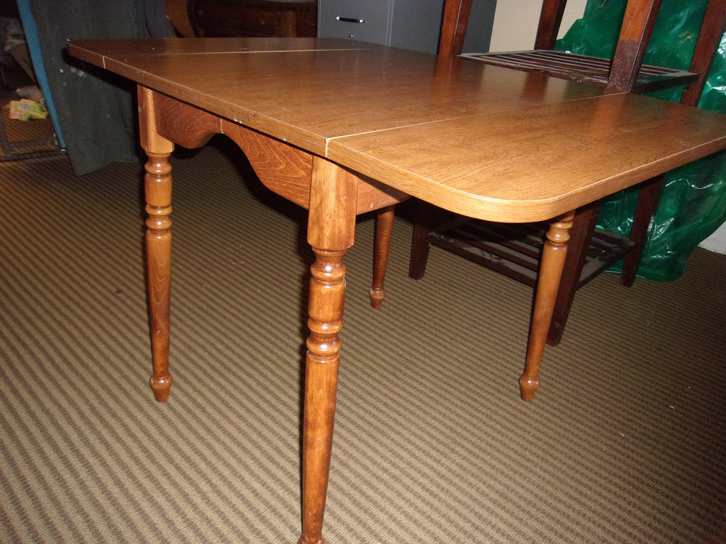 Drop leaf dining table 21155