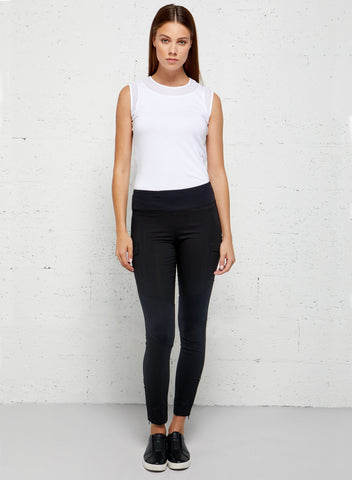 Traveling in Leggings the Andrea Contrast-Panel Legging