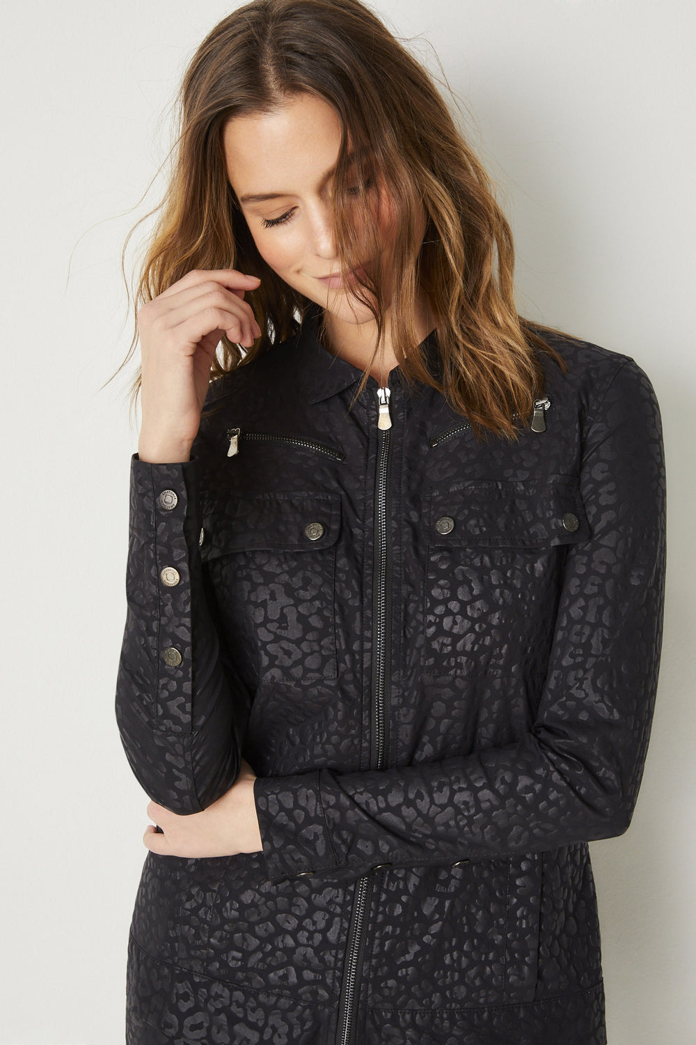 Cheetah Embossed Pattern / Dessin 274||||Spring_Aa0711p_Madeline_Jacket_8202-Cheetah_3009-82.mp4