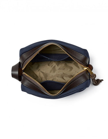 Filson Travel Kit Navy - Still Life - 2