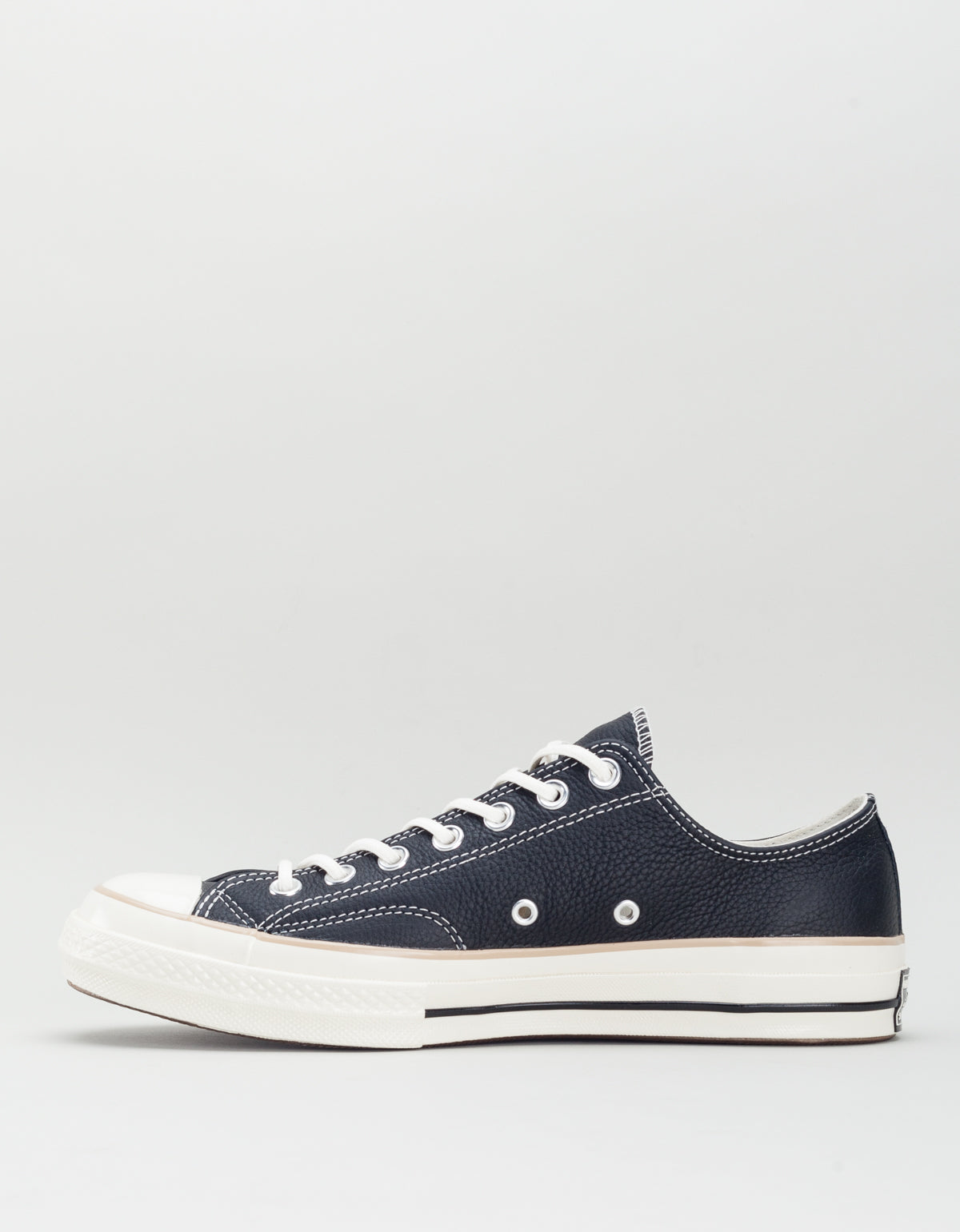 d6912f62feb Converse Men s Chuck 70 Leather Low Top Black Light Fawn Egret ...