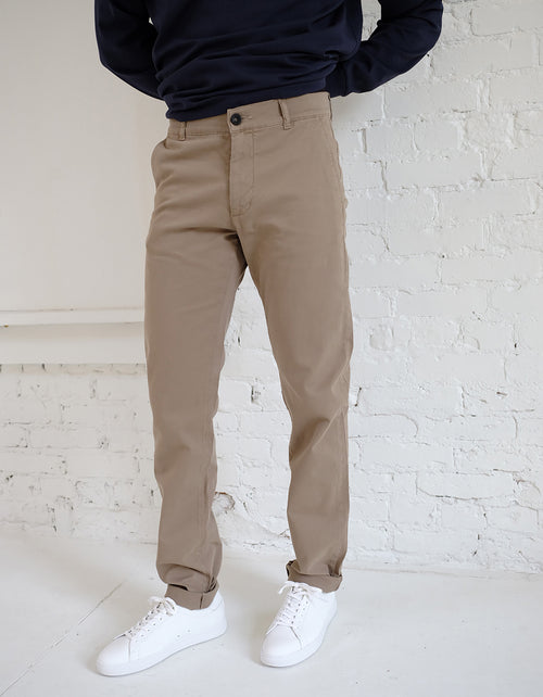 Dr. Denim Clark Chino 34L in Khaki