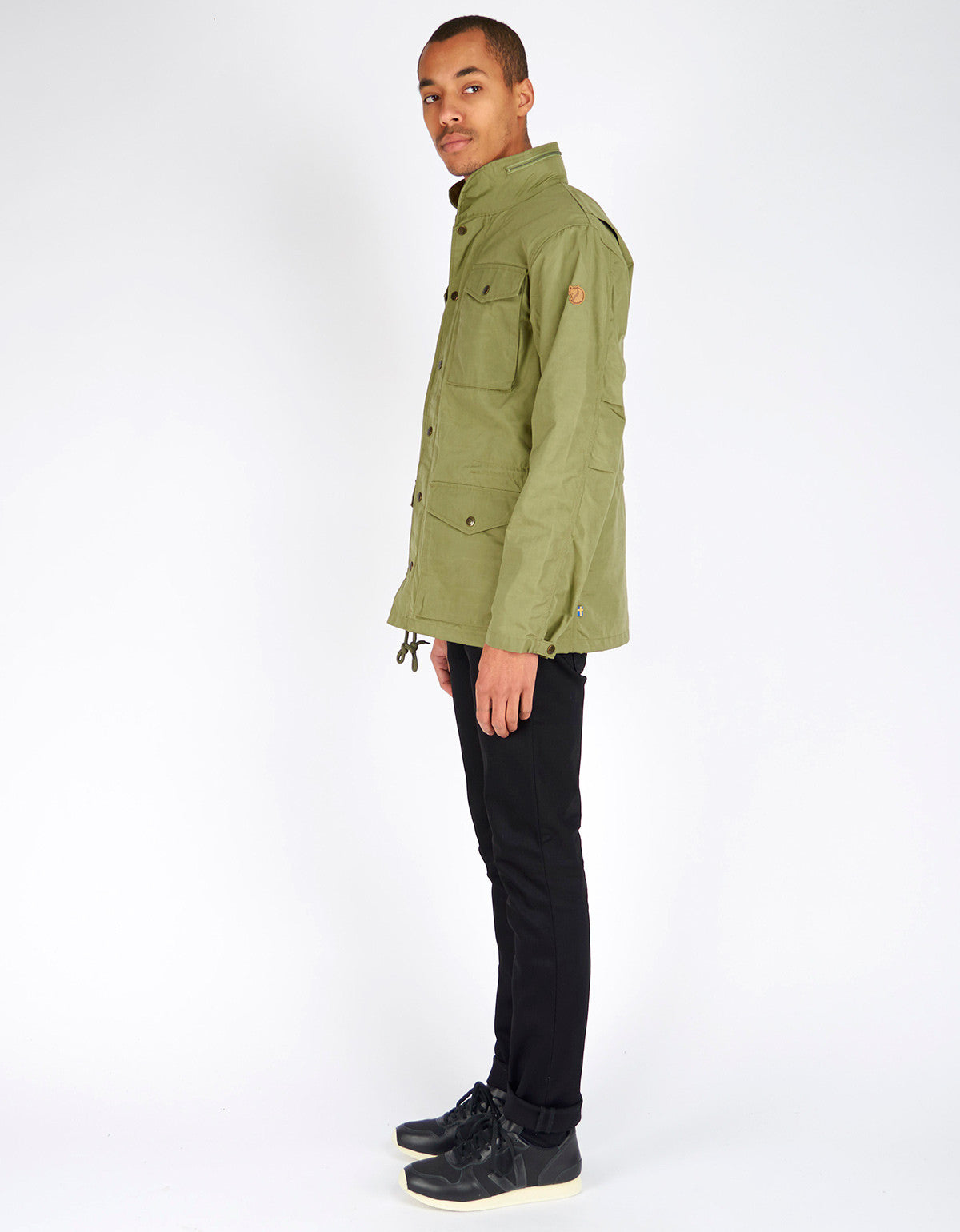 Fjallraven Raven Jacket Green - Still Life - 3