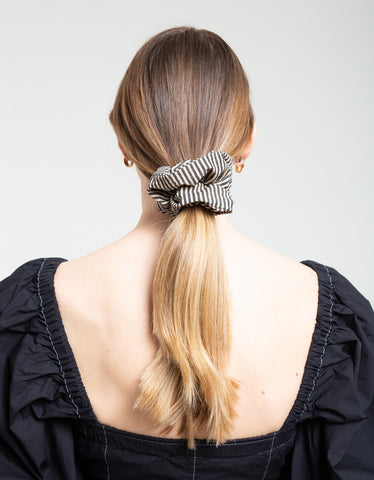 Ganni Stretchable Seersucker Scrunchie Irish Cream