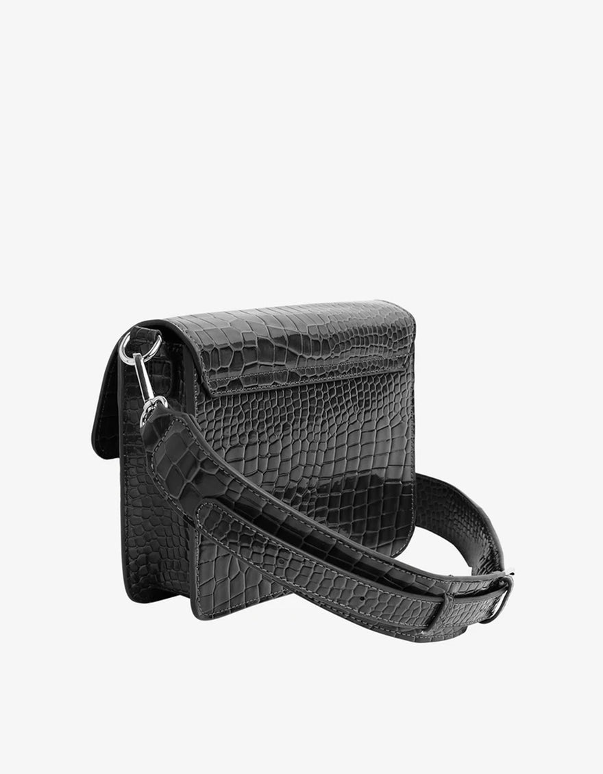 Hvisk Cayman Pocket Bag in Black
