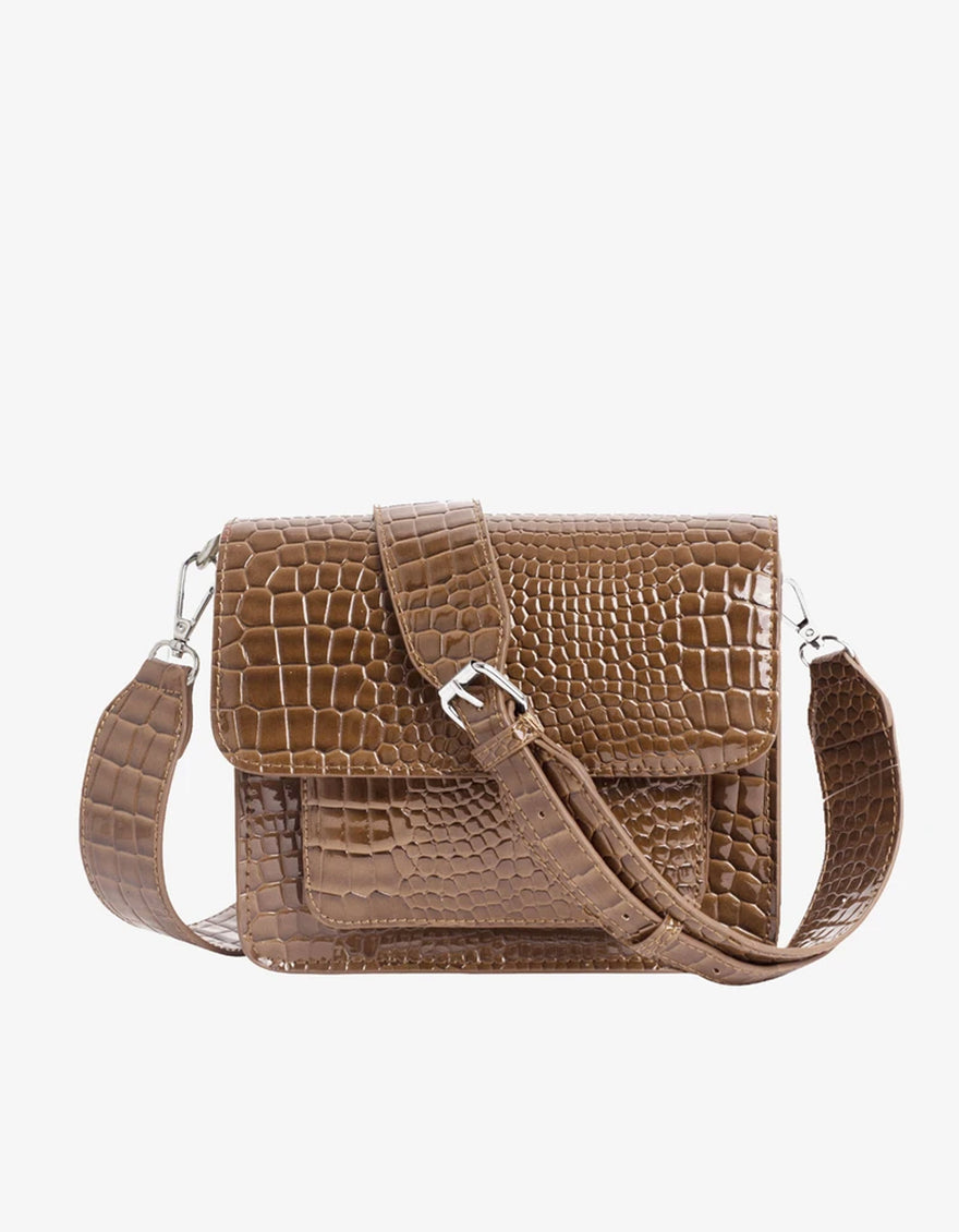 Hvisk Cayman Pocket Bag in Tawny Brown