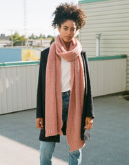 Indi & Cold Chunky Knit Scarf Rosa