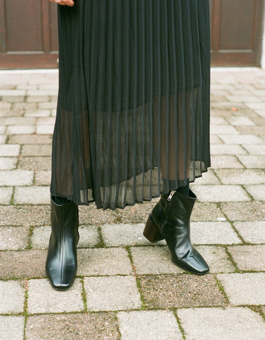 Just Female Roe Pleated Skirt Black