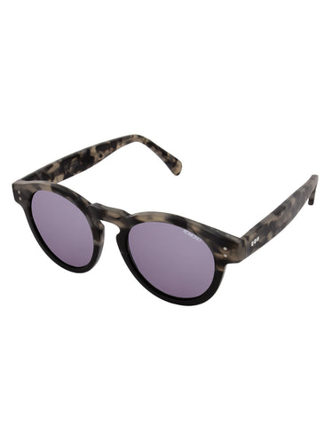 Komono Crafted Clement Acetate Black Sand - Still Life - 2