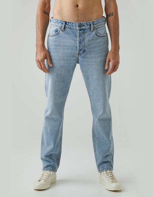 Neuw Ray Straight Jean in Wired
