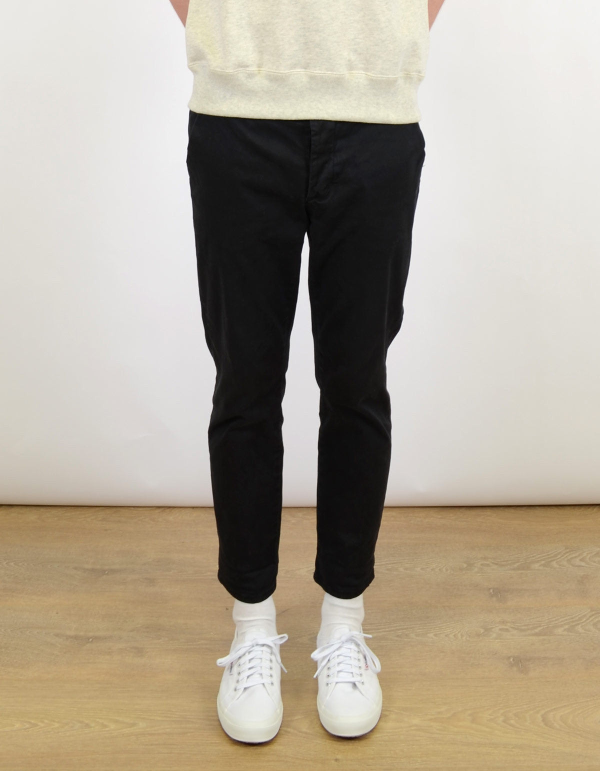 Neuw Straight Enkel Chino Cash Black - Still Life - 1