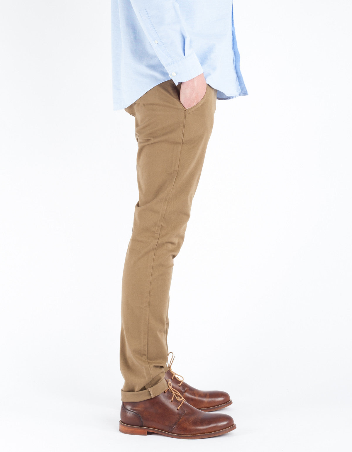 The Daily Co. Slim Chino Sand Khaki