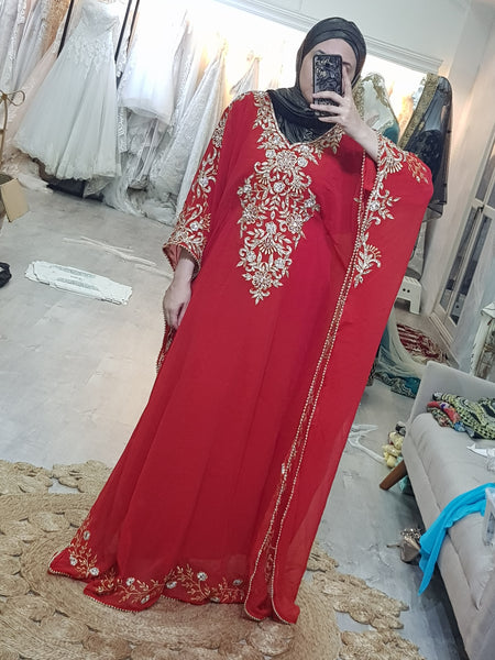 Arissa kaftan in red