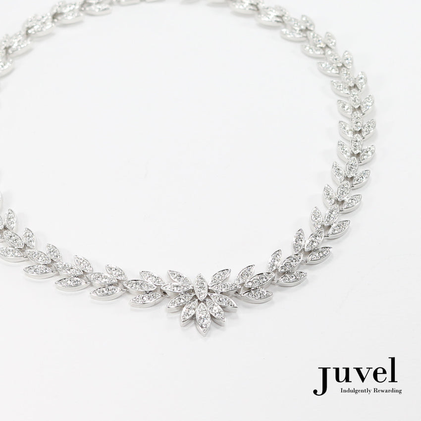 Juvel Brilliant Trillium Necklace