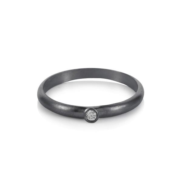 Pettia sterling silver black rhodium plated solitaire charm ring