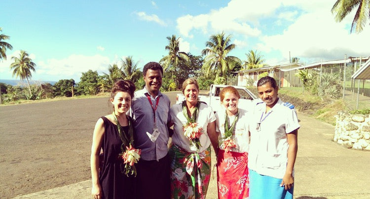Hannah with her Volunteer team in Fiji