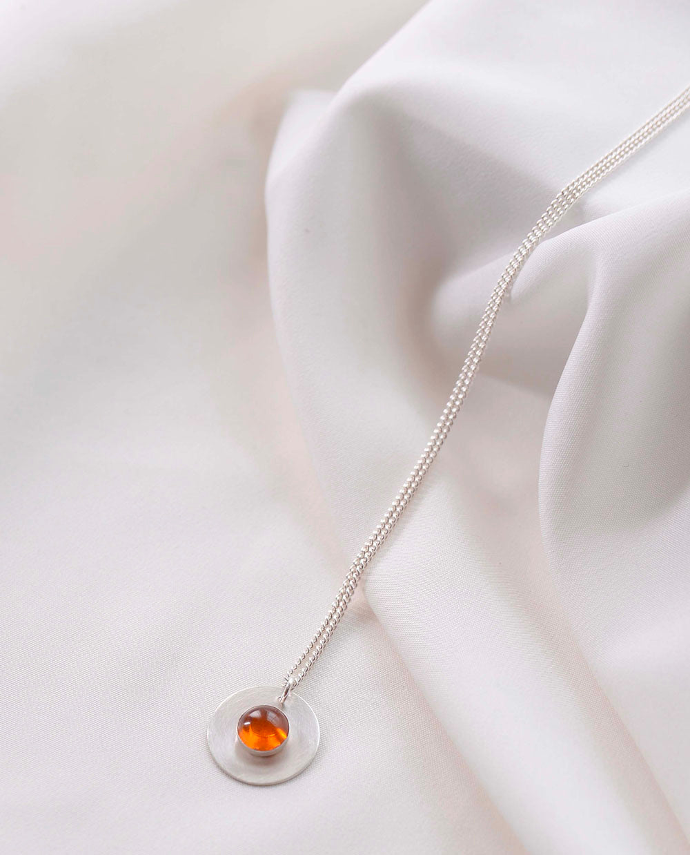 GWYNETH Silver Necklace With Amber Stone