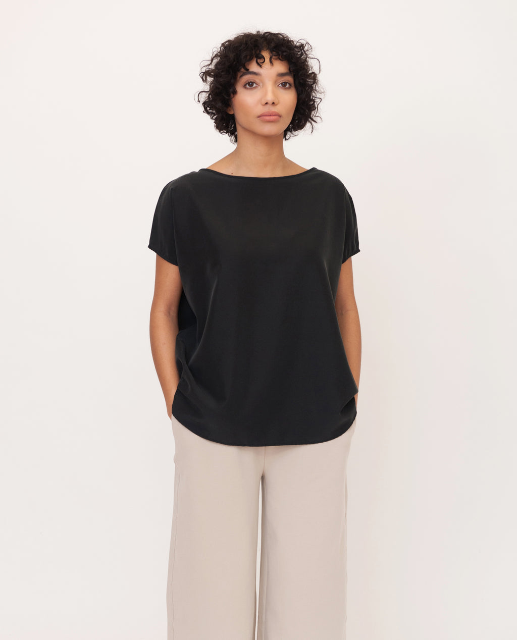ALINE Modal Top In Black